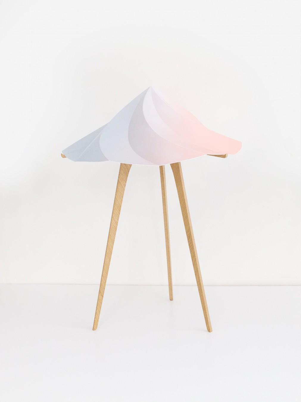 Lampes de table constance guisset lampe chantilly for Lampe au dessus d une table