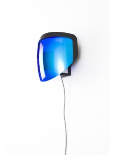 Moto wall lamp with plug
